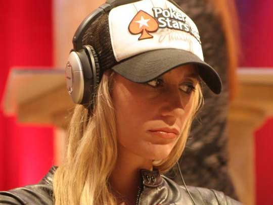 Why poker players wear headphones bubble poker game online free